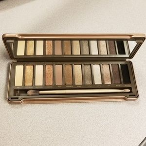 Naked 2 Urban Decay never used